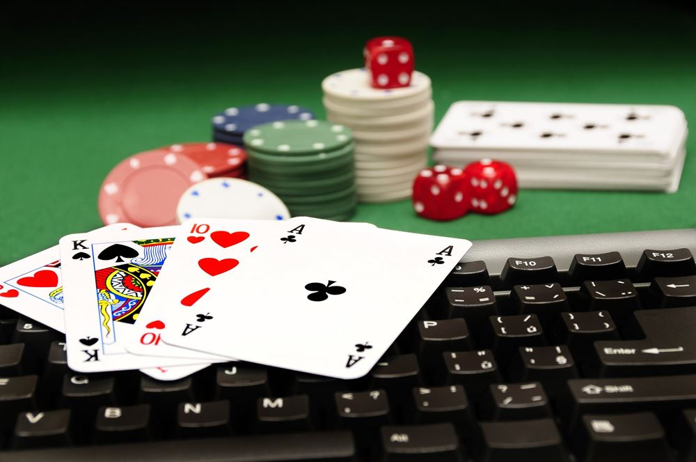 What The In-Crowd Won't Let You Know About Casino